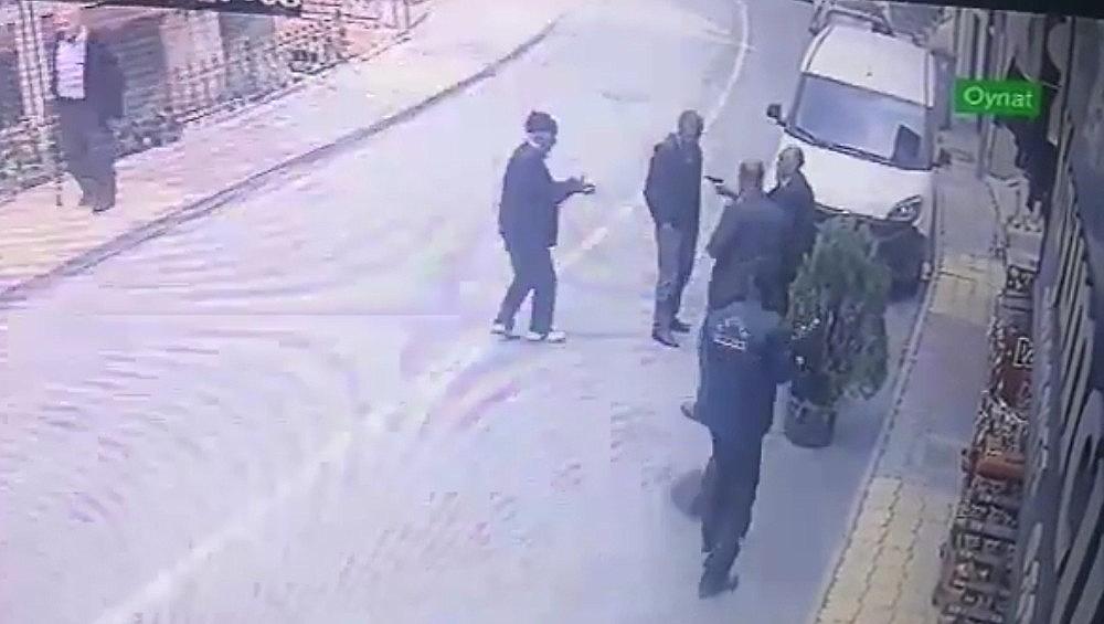 2019/10/puturgedeki-kan-davasi-cinayeti-saniye-saniye-kameraya-yansidi-20191031AW84-3.jpg