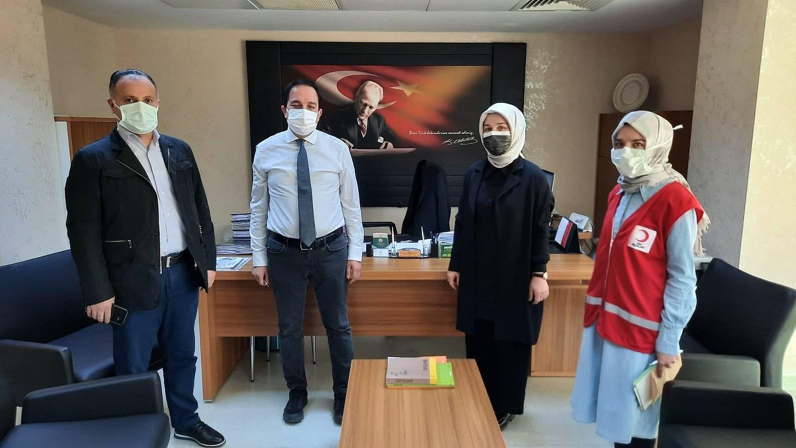 2021/04/kizilaydan-hastalara-anlamli-yardim-20210426AW30-1.jpg