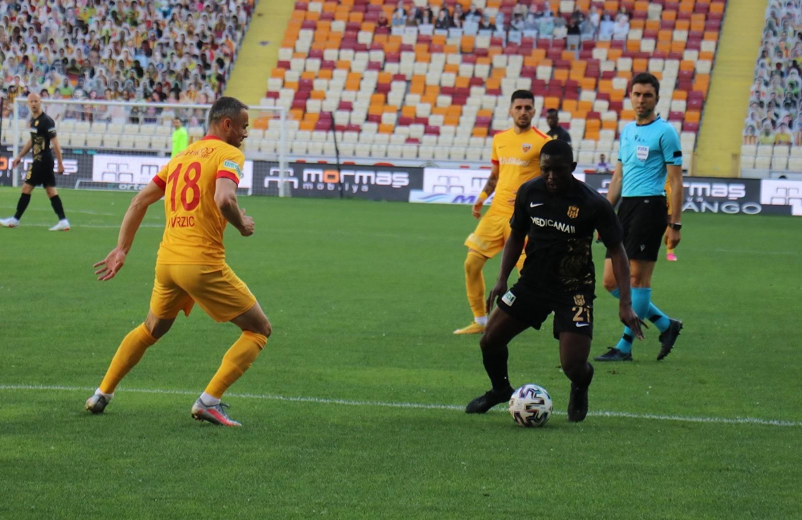 2021/05/h-yeni-malatyaspor-0-kayserispor-1-ikinci-yari-20210503AW31-4.jpg