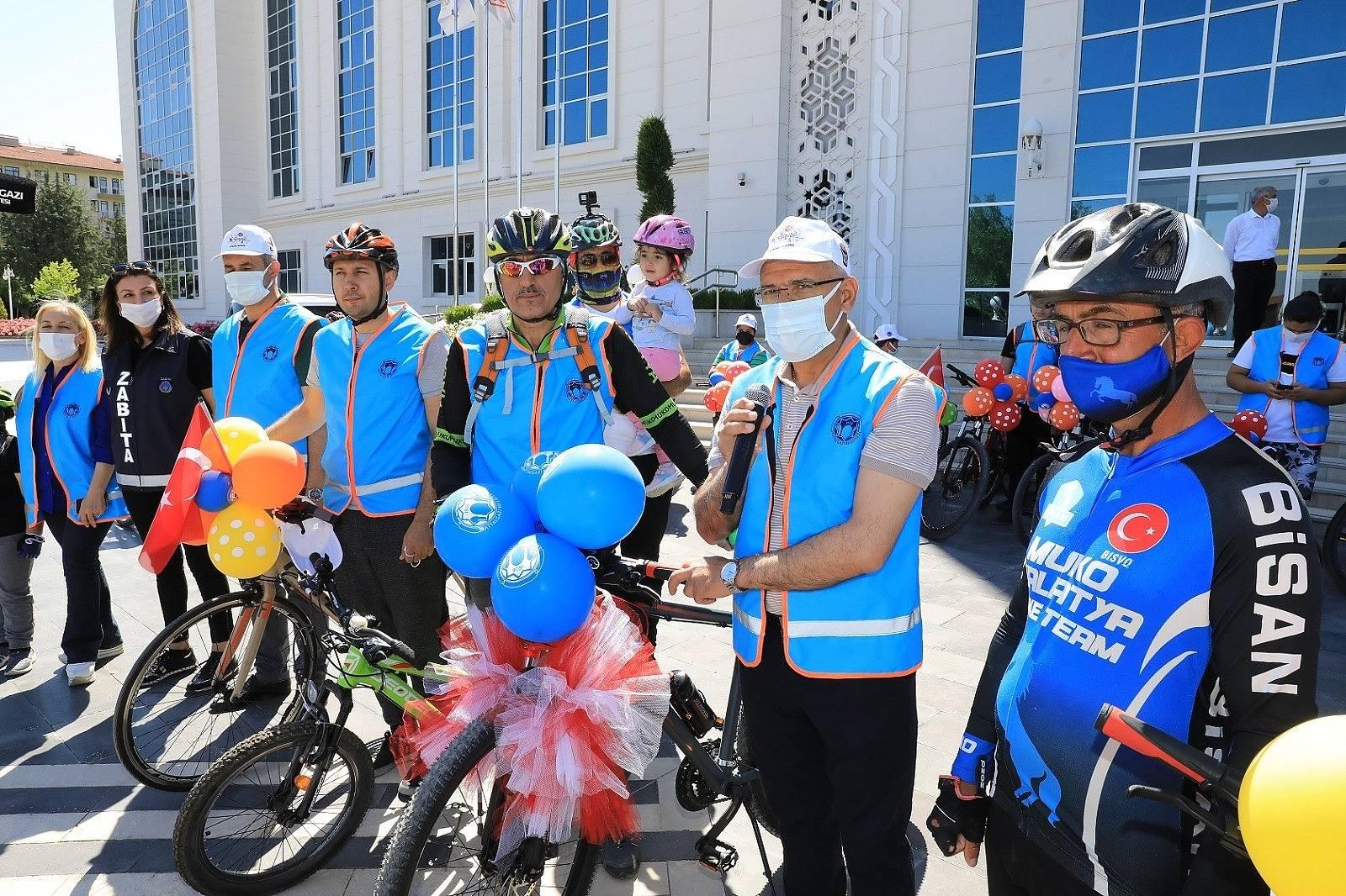 2021/06/battalgazi-belediyesinden-ozel-bisiklet-turu-etkinligi-20210606AW33-2.jpg