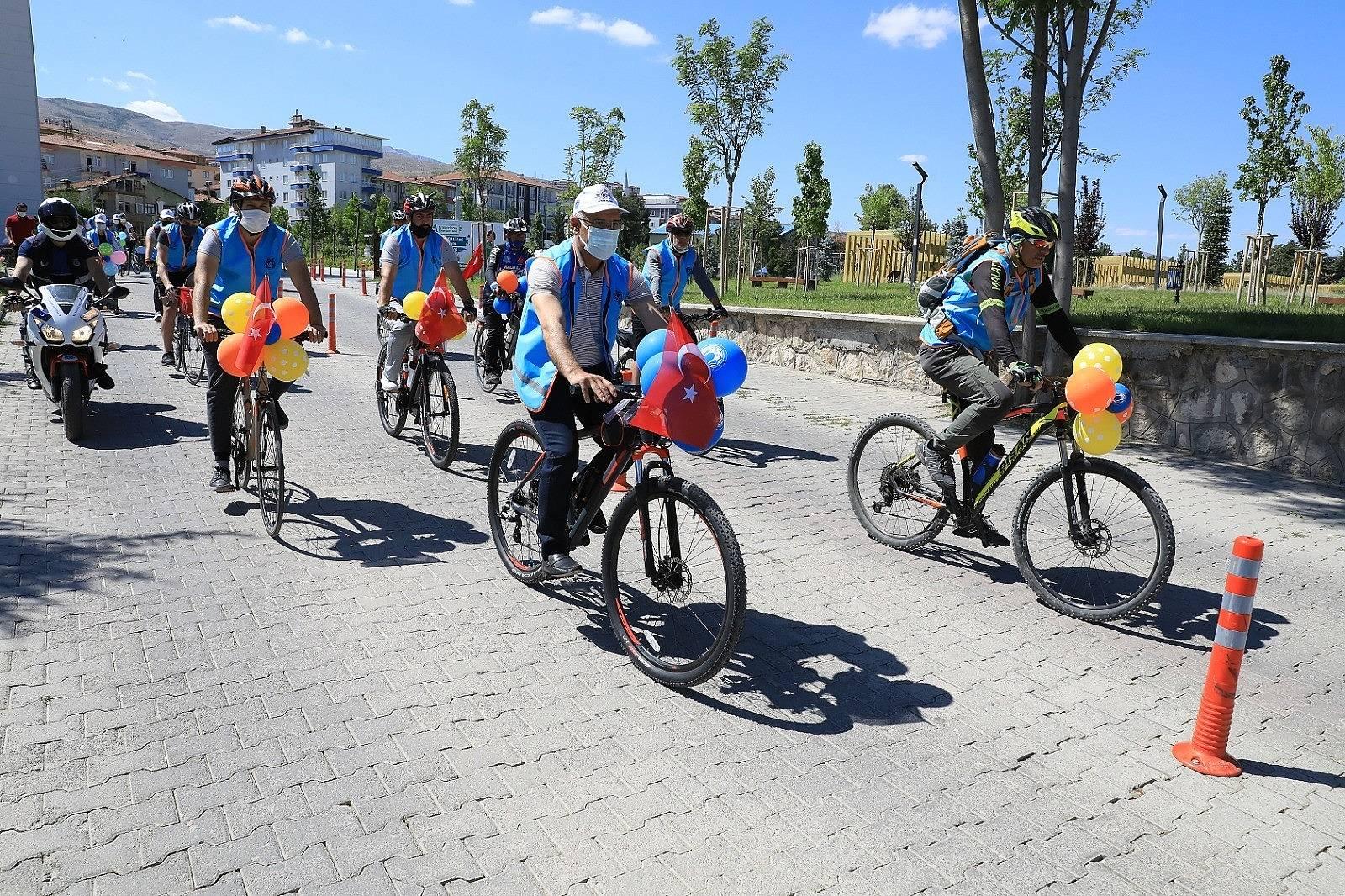 2021/06/battalgazi-belediyesinden-ozel-bisiklet-turu-etkinligi-20210606AW33-4.jpg