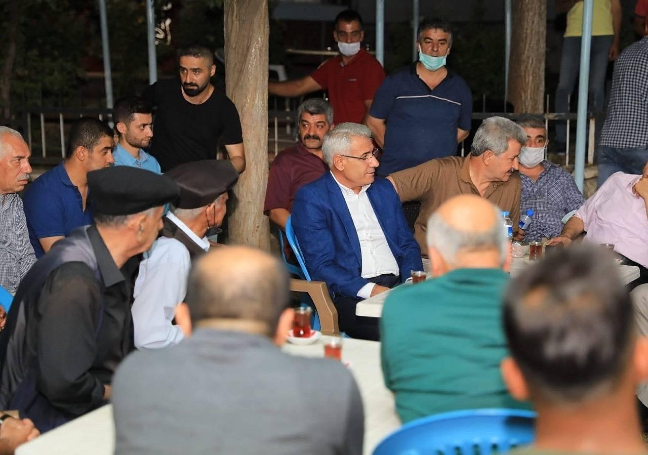 2021/08/battalgazide-osman-baskan-ile-mahalle-bulusmalari-devam-ediyor-20210803AW38-3.jpg