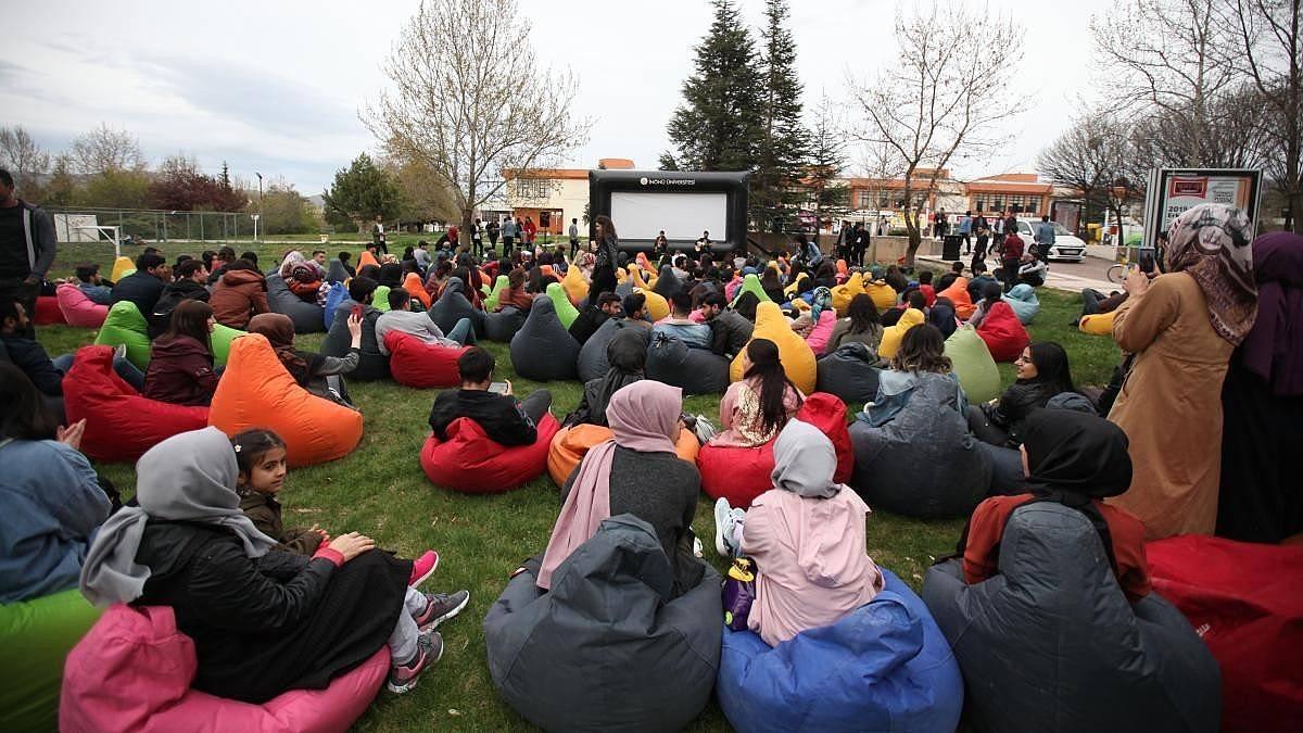 2021/10/uluslararasi-kisa-film-festivaline-basvuru-yogun-20211008AW43-1.jpg