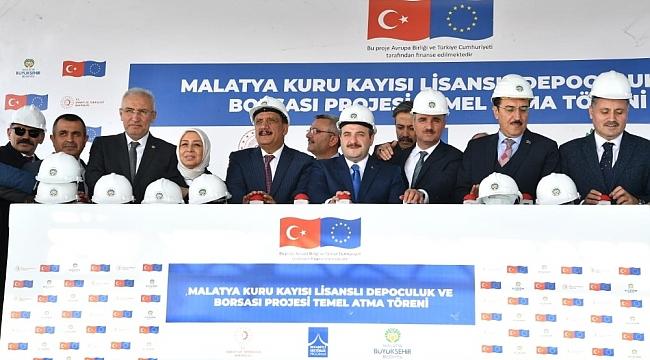 Bakan Varank, Kayısıda Tek Söz Sahibi Türkiye Olacak
