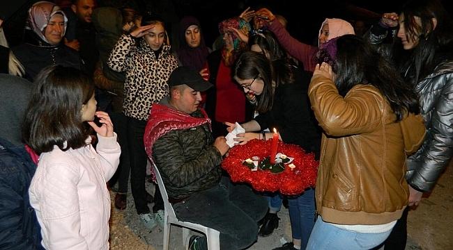 Doğanşehir'de Askere Giden Gençlere Kına Yakıldı