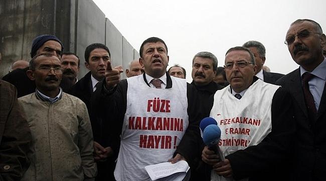 Ağbaba, Türkiye'yi tehdit eden üsler derhal kapatılmalıdır