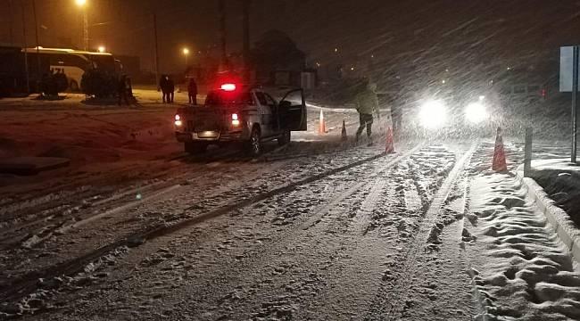 Malatya-Sivas Karayolu Yoğun Kar Nedeniyle Ulaşıma Kapandı
