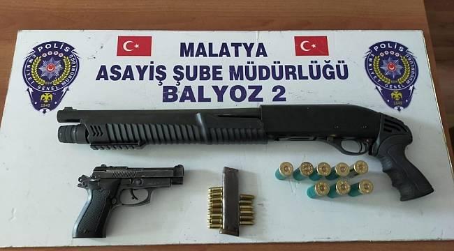 Uyuşturucu ve Silahlar Ele Geçirildi, 6 Zanlı Yakalandı