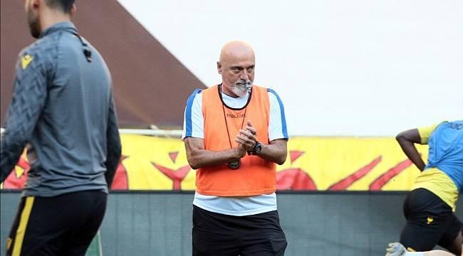 Teknik Direktör Karaman'dan futbolcularına rekabet uyarısı