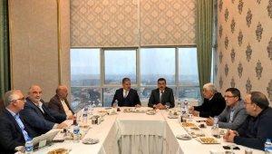Ahmet Çakır, YMS Divan Kurulu Başkanlığından İstifa Etti