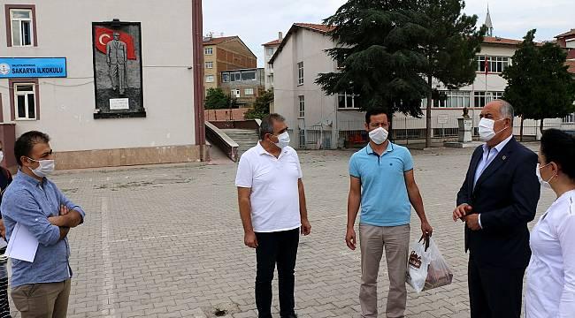Başkan Karadağ, Eğitim Öğretimin ilk günü öğrencileri yalnız bırakmadı