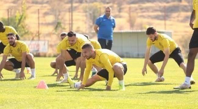 YMS'de 4 futbolcunun testi pozitif çıktı