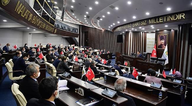 Başkan Gürkan istişare toplantısında yöneticilerle bir araya geldi