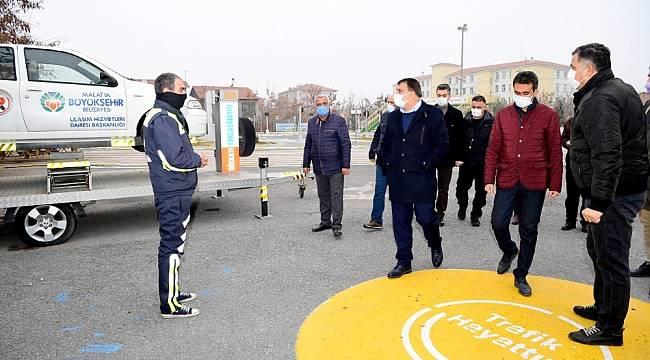 Başkan Gürkan Mersedes Kadir Trafik Eğitim Parkını inceledi
