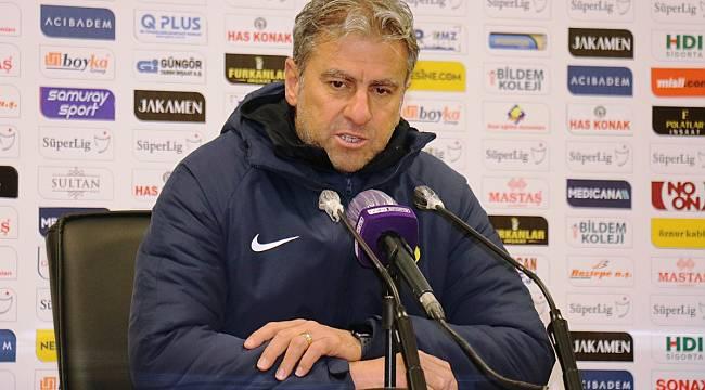 Hamzaoğlu; Sahada futbol adına bir şey ortaya koyamadık