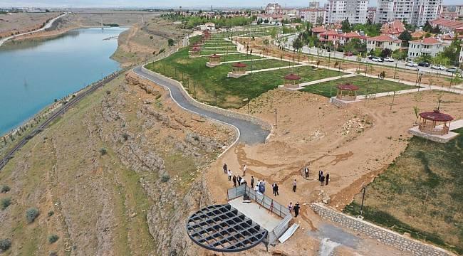 Başkan Çınar, millet bahçesi ve seyir terasını inceledi